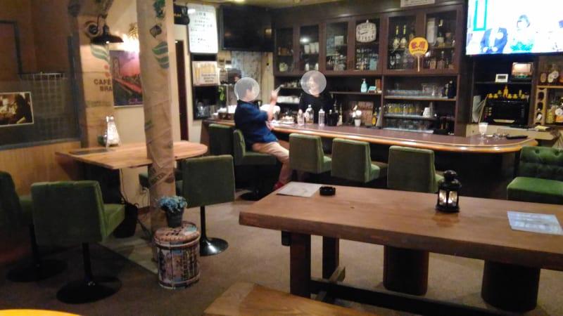 カウンター - ミュージック酒場 UTAMARO パーティ会場、音楽イベント会場の室内の写真