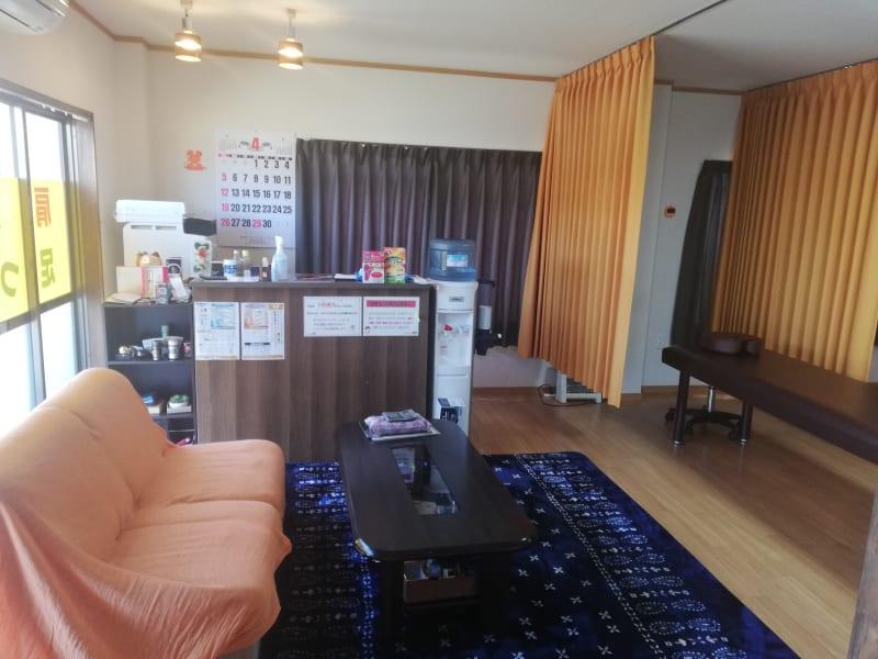 ほぐし屋en ヨガ、サロンスペースの室内の写真