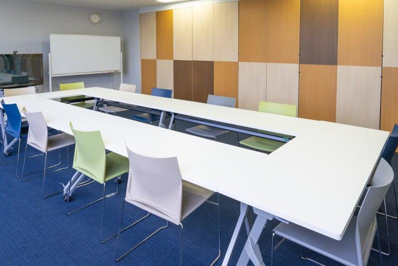 会議レイアウト - 南麻布 会議室 レンタルスペース 南麻布 会議室の室内の写真