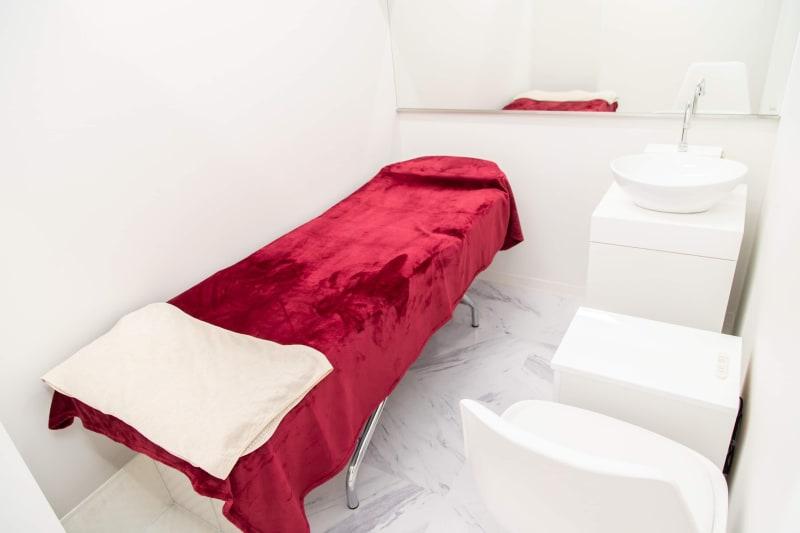 ドン・キホーテ 施術サロンスペースの室内の写真