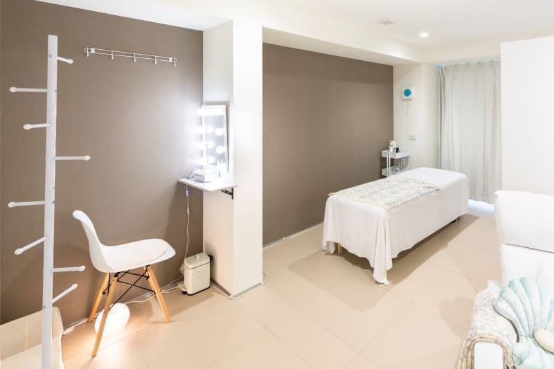 2020年6月20日より完全個室になりました! - キラリラ神戸元町ウェスト 完全個室レンタルサロンの室内の写真
