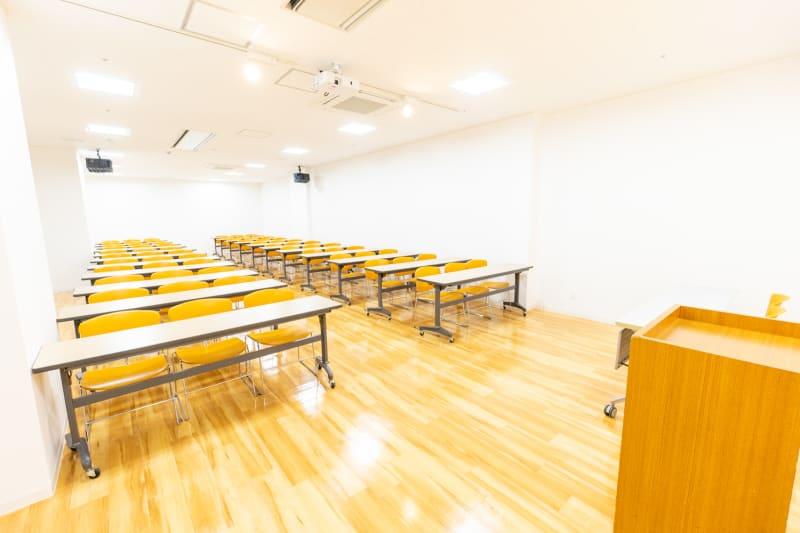 枚方ビオルネ ビィーゴ セミナールームAの室内の写真
