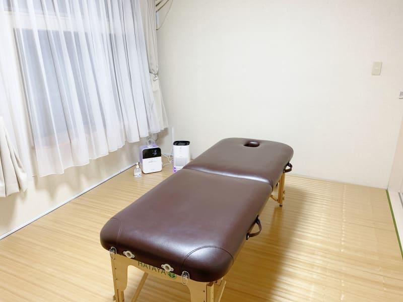 ポータブルベッド無料 - レンタルサロン(ルームB)の室内の写真