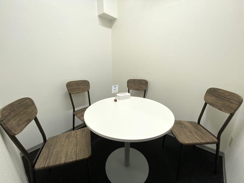 カラメル横浜西口店 E室(ピンク)の室内の写真