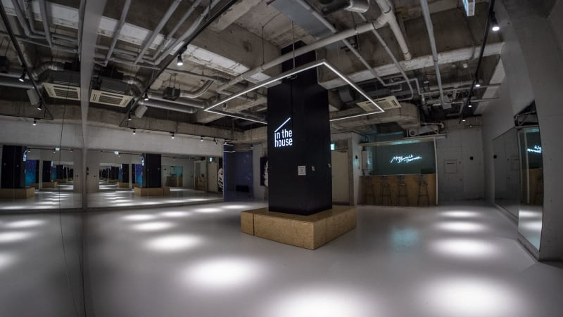 """PARK""スペース(80平米) - StreetDancePark 【貸切】収録・配信・イベント等の室内の写真"