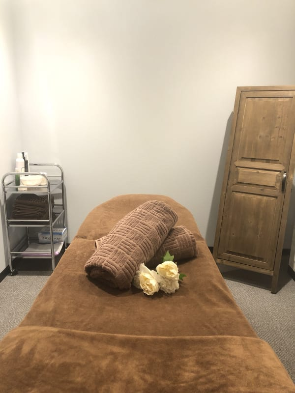 リラクゼーション木蓮.m サロンスペースの室内の写真