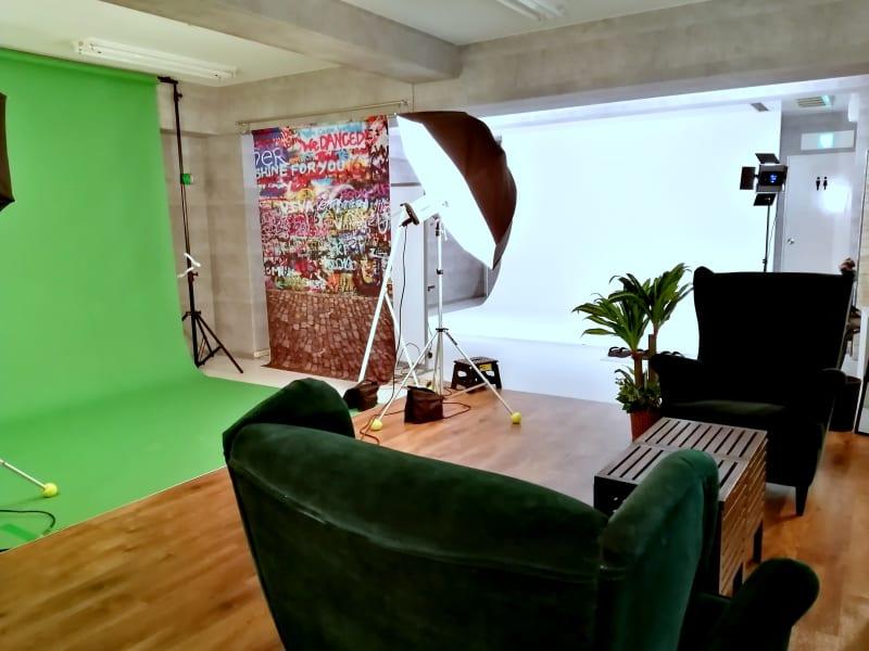 間仕切壁のない開放的なスタジオです。 - ラクスタ 安くて気軽に使えるフォトスタジオの室内の写真