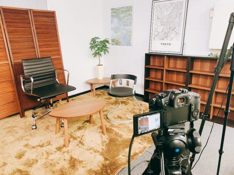 撮影機材費込みなので、手ぶらでOK(データ保存用USBご持参下さい) - 【新宿】知恵の場オフィス 別館 駅近徒歩7分 貸し撮影スタジオ!の室内の写真