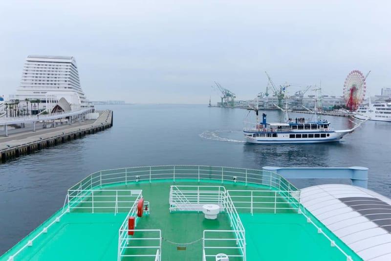 神戸港遊覧船ロイヤルプリンセス号3階のオープンデッキを貸切で使用できるプランです - 神戸ベイクルーズ 船の貸切スタジオの室内の写真