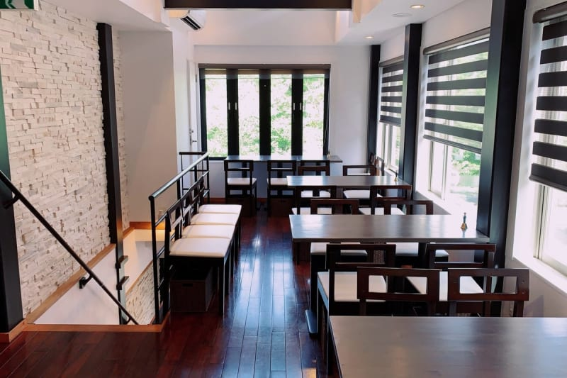 epice okazaki オープンスペースの室内の写真
