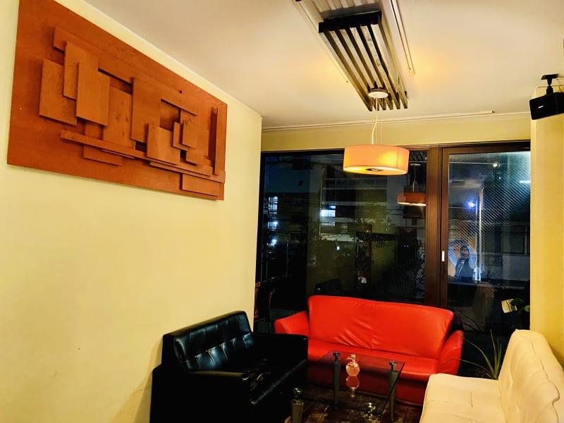 三つのソファーあり!ゆったりと過ごして頂けます! - レンタルスペース・タンポポの室内の写真