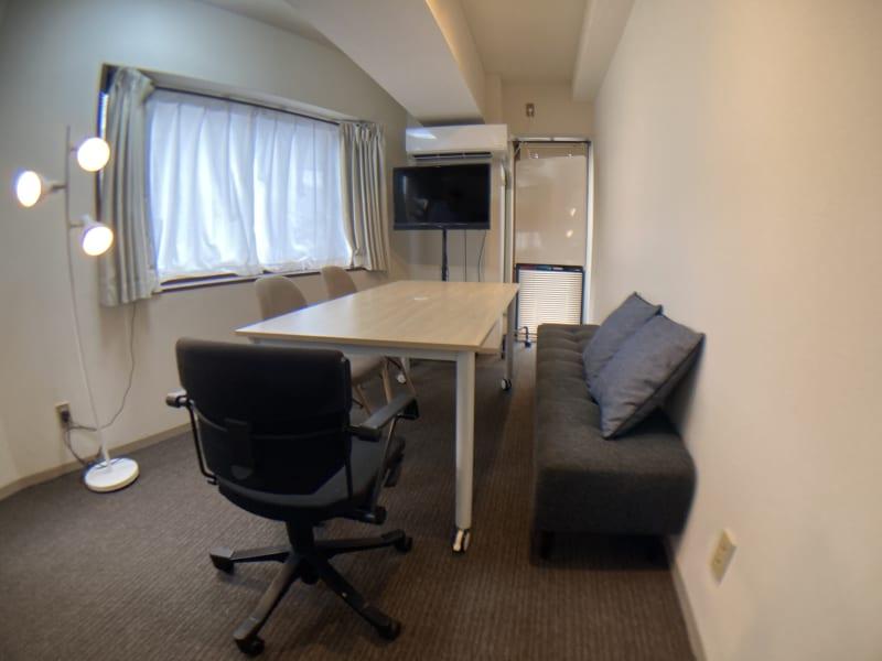 GL都立大スペースの室内の写真