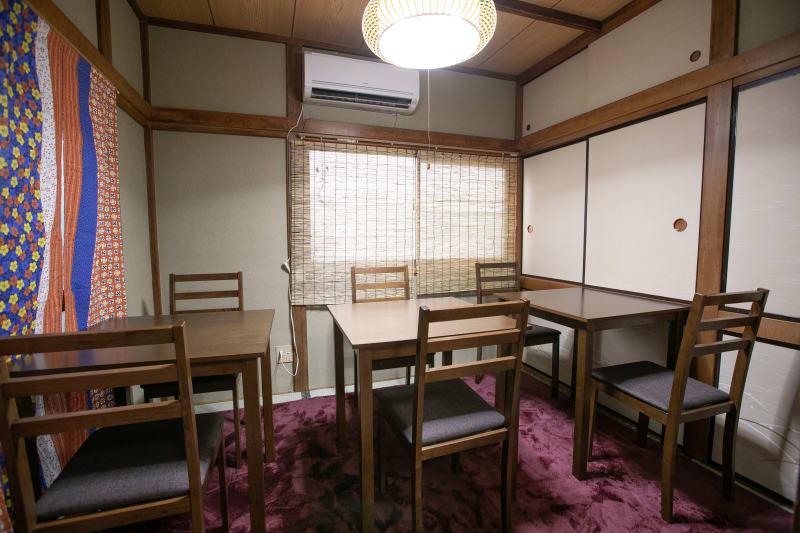 1階テーブル席/4.5畳~6名 - 東京・大島「アイビーカフェ大島」 一軒まるごと利用/68㎡・20名の室内の写真