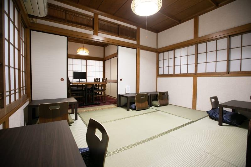 2階座敷席/6畳・~6名 - 東京・大島「アイビーカフェ大島」 2階の個室と座敷のセットプランの室内の写真