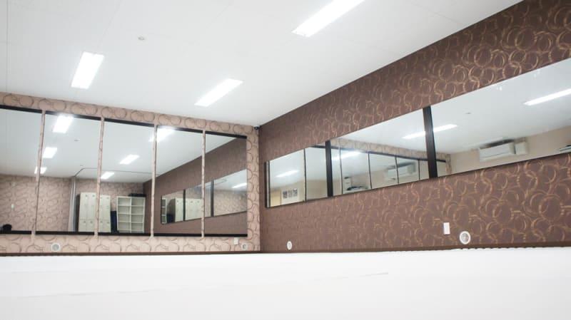 防音で清潔・キレイなスタジオスペース - ビーラインスタジオ平野宮町 【防音で安心】歌・楽器バンド練習の室内の写真