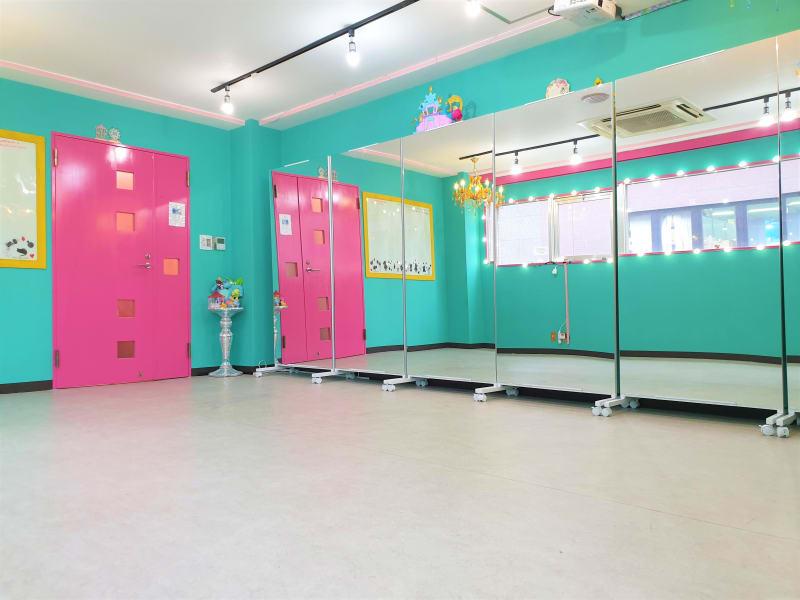 明るい雰囲気. 窓が開い, 換気が可能スタジオ - ベストフレンドレンタルスペース スタジオ/大部屋 4階ベスト2の室内の写真