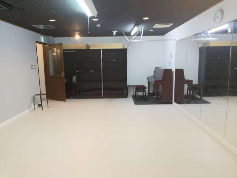 西川口ダンス、ヨガスタジオ ヨガ、ダンス、音楽スペース A室の室内の写真