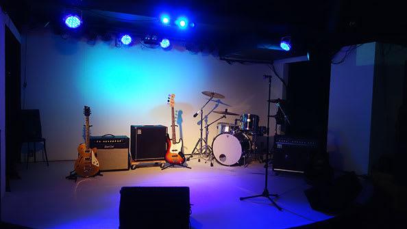 ステージ - バンケットハウス 撮影・配信・練習スタジオの室内の写真