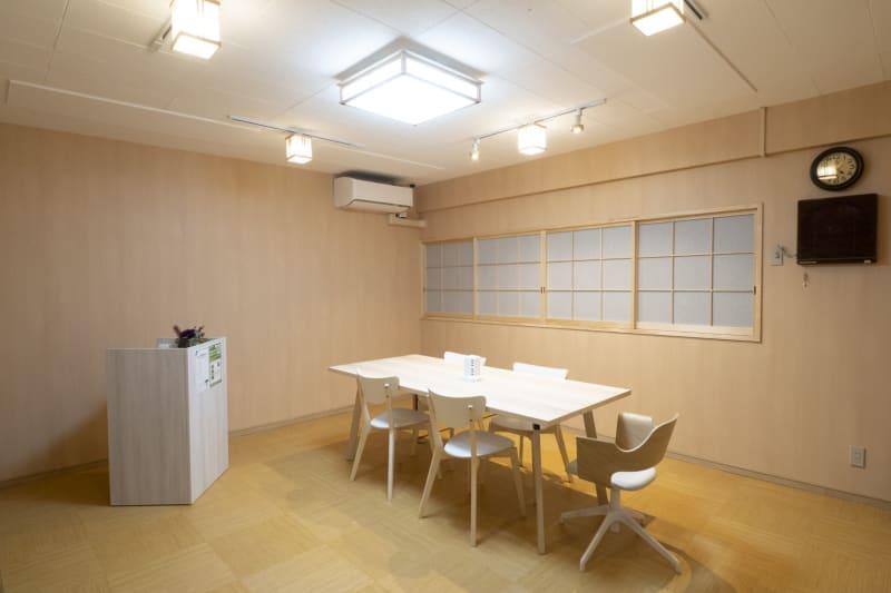 和調のお部屋でゆったりできます - レンタルルーム 馬車道茶会室 会議室 瞑想 テレワークの室内の写真