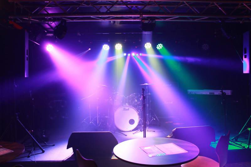ステージと照明 - ライブハウスEN-LAB.の室内の写真