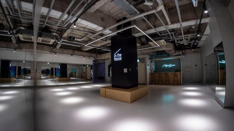 最大130平米を超える広大なスペースを思うままご利用いただけます! - StreetDancePark 【4】深夜PARK 20時~の室内の写真