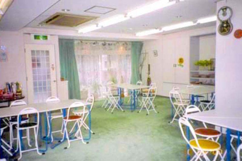 蒲田レンタルスペース「Tess」 30名用個室スペースの室内の写真