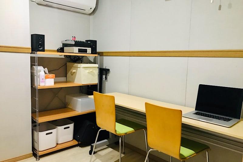 PSQ studio お一人さま、少人数に最適スペースの室内の写真