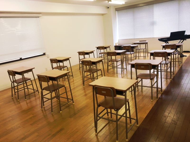 学校の教室のような室内です♪各種セミナー・会議等にご利用いただけます! - 親子サロン-LaPark- セミナールームの室内の写真