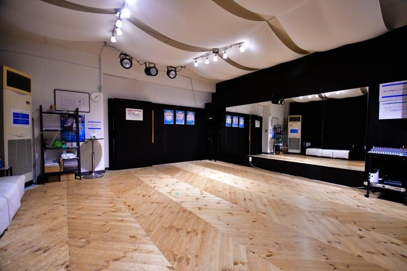 広いメインフロア - ラビートスタジオ 天神駅4分多目的スタジオの室内の写真