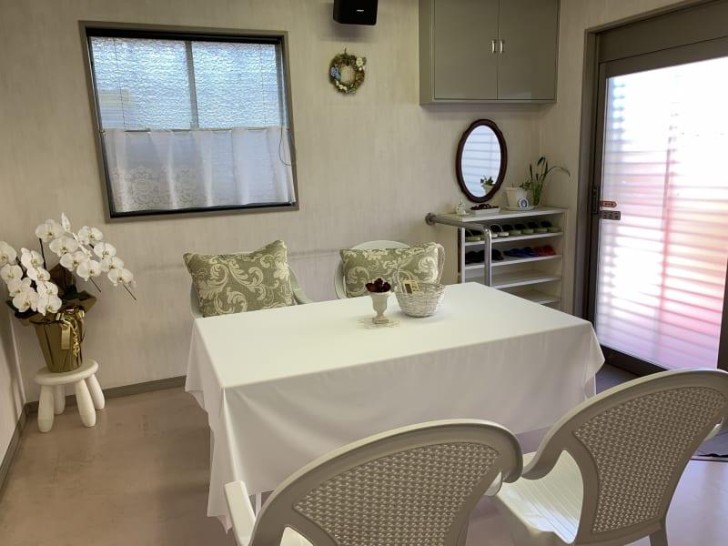カーテンで仕切られた半個室です。 - レンタルスペース「KAORI」 room1 多目的スペースの室内の写真