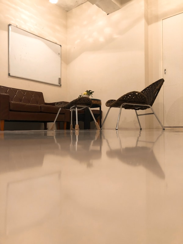 地域No1価格!無料サービス充実 エステ・セミナースペースの室内の写真
