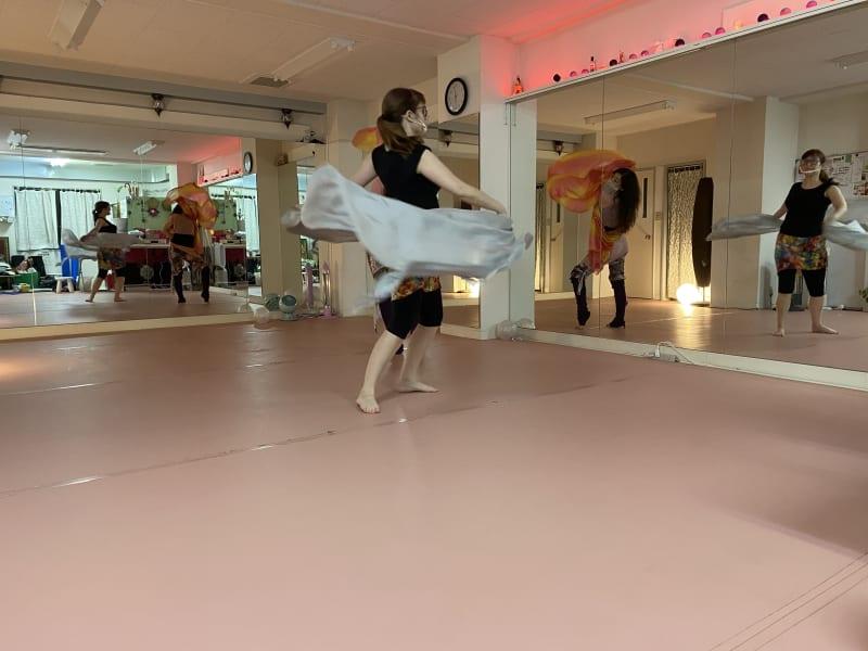 ダンススタジオ利用の例 - Eva貸スペース、スタジオ、撮影 貸しスタジオ、多目的、オンラインの室内の写真