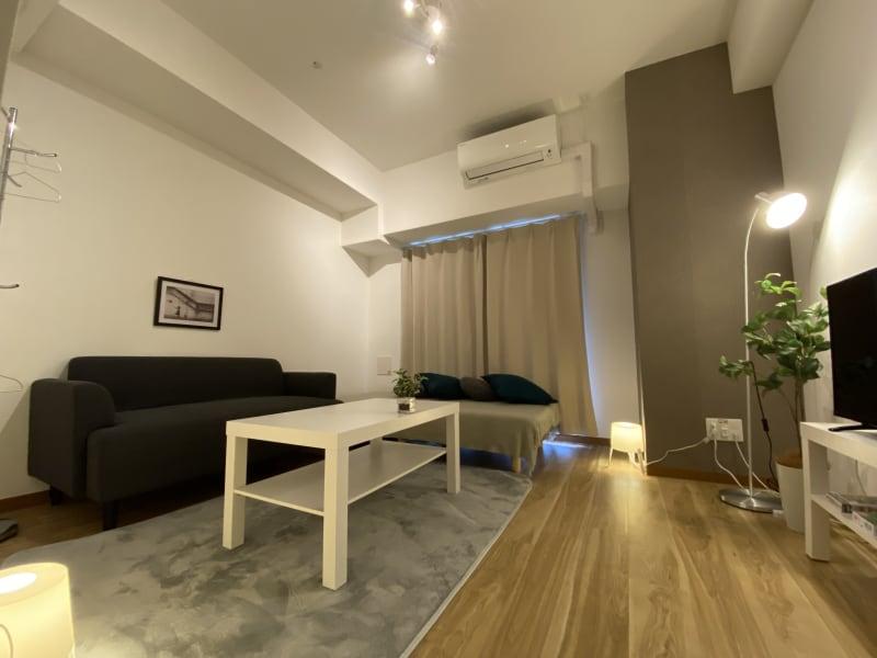 間接照明でシンプルかつラグジュアリーな空間を演出。 - レンタルスペースKIREI フリースペースの室内の写真