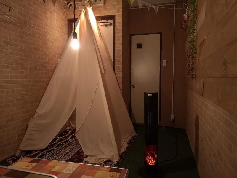 雨でも楽しめるキャンプ場風コンセプトルーム - キャンプ場風コンセプトルームの室内の写真