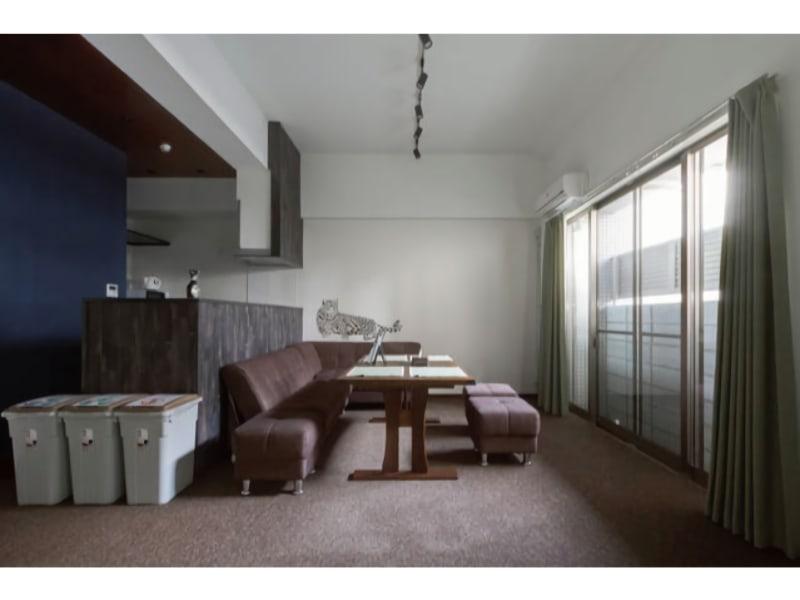 リビングルーム - ザワンダーアットステイ-弁天町- 101号室の室内の写真