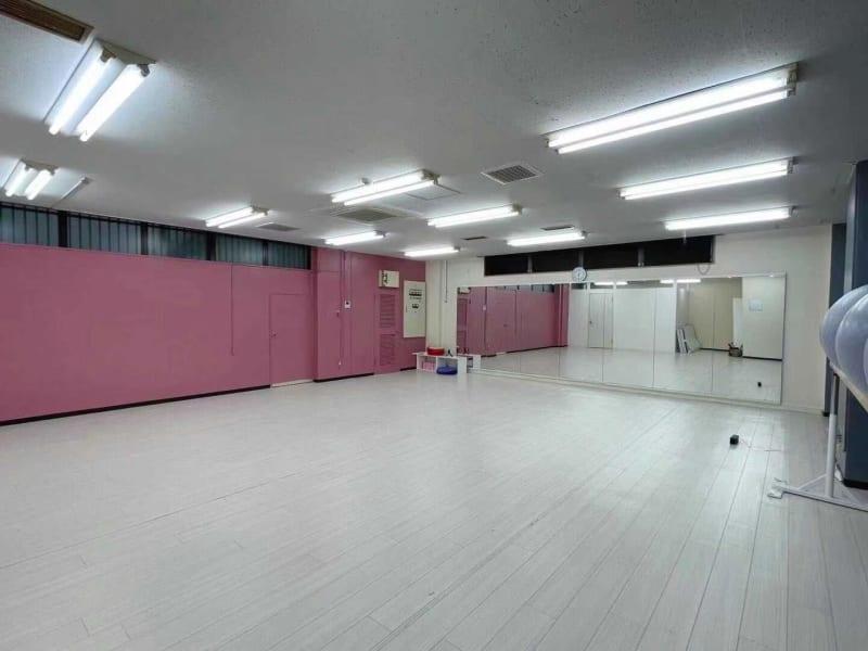 池袋ダンススタジオ バレエ ヨガ 池袋ヨガ、ダンスに最適の室内の写真