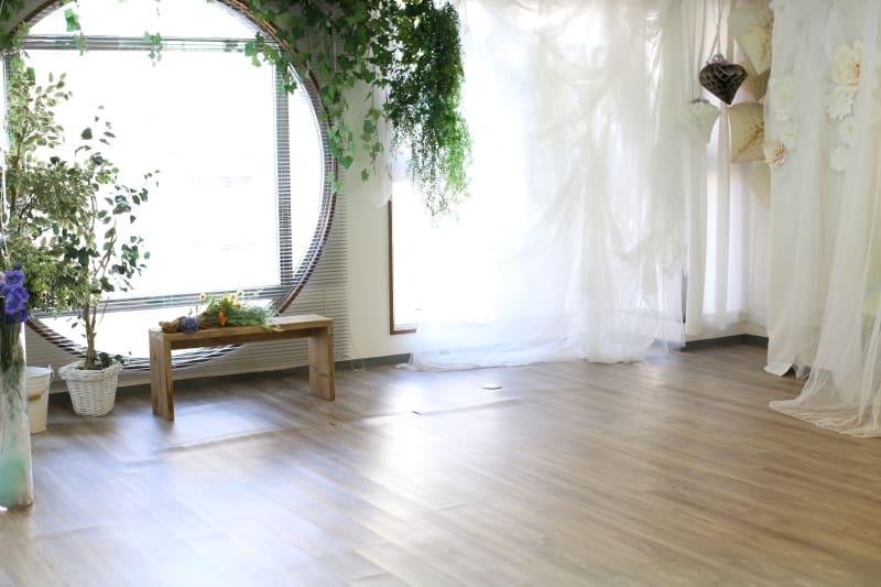 MERIA 多目的サロンスペースの室内の写真