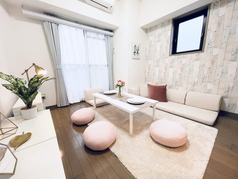 SMILE+モア梅田 レンタルスペース、パーティルームの室内の写真
