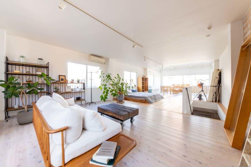 上質の家具を配置 - STUDIO AOTO スタジオA の室内の写真