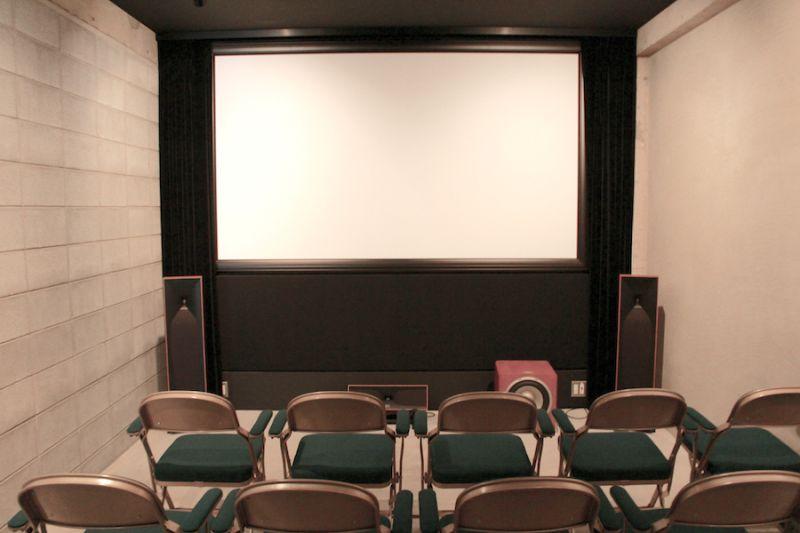 神宮前レンタルシアター「Capsule」 シアター(40席)の室内の写真