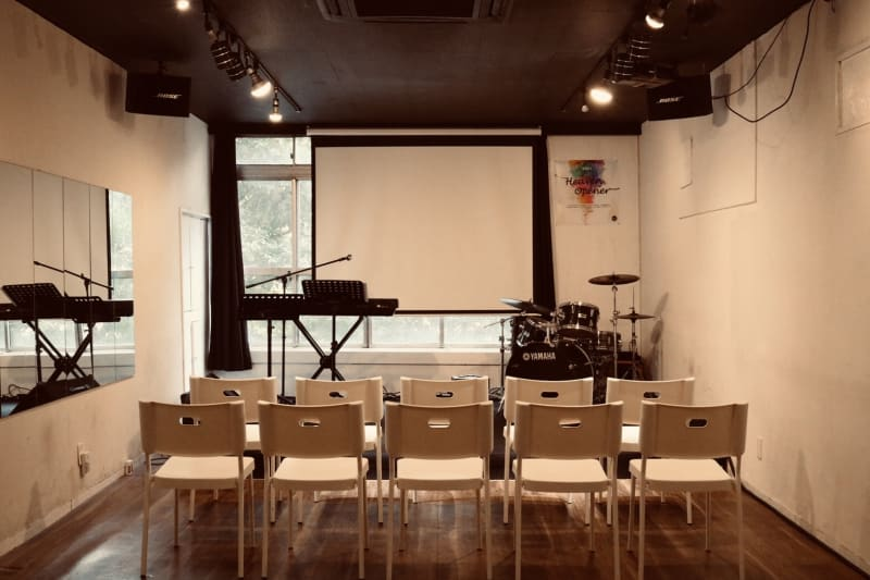 【Jesus' Call Fukuoka】赤坂駅徒歩0分◆会議・セミナー・オフ会などに! - Jesus' Call 福岡 ◆カフェ風多目的スペース◆の室内の写真