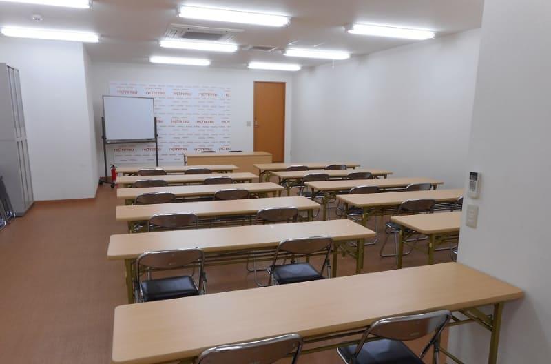 イヨテツボウリングセンター 貸し会議場の室内の写真