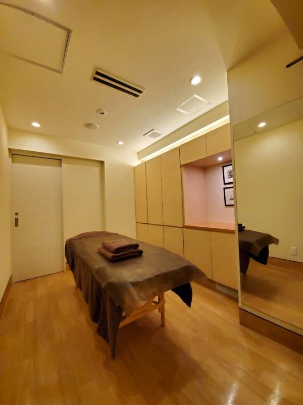 エステルーム - サラダ自由が丘本店 サロンスペース、個室タイプの室内の写真