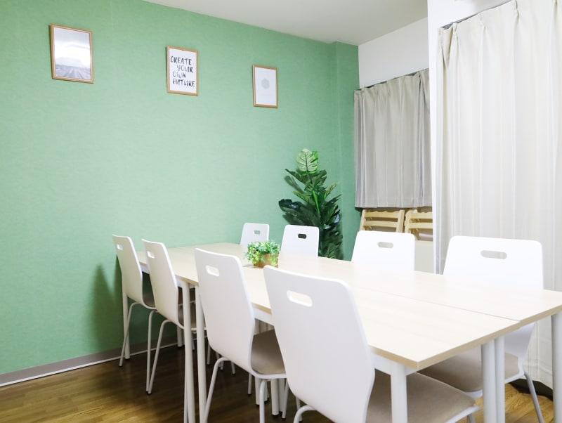 北千住FRIENDS IX 安い・綺麗・明るい会議室!の室内の写真