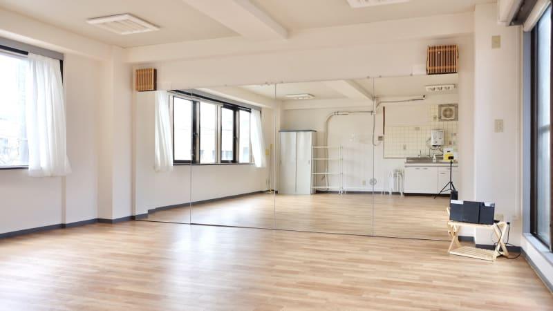 広々40㎡、日あたりのよい明るいスタジオです - 大宮とらのスタジオの室内の写真