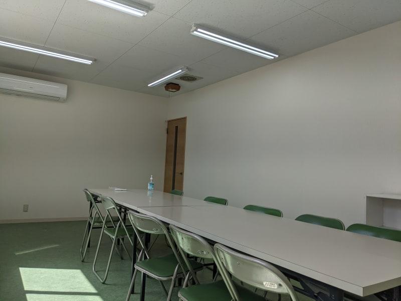 レンタルスペース、レンタル会議室 会議・セミナー・ママ会・サークルの室内の写真