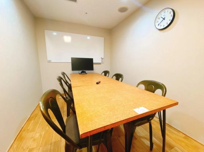 GOODOFFICE有楽町 会議室1(完全個室)の室内の写真