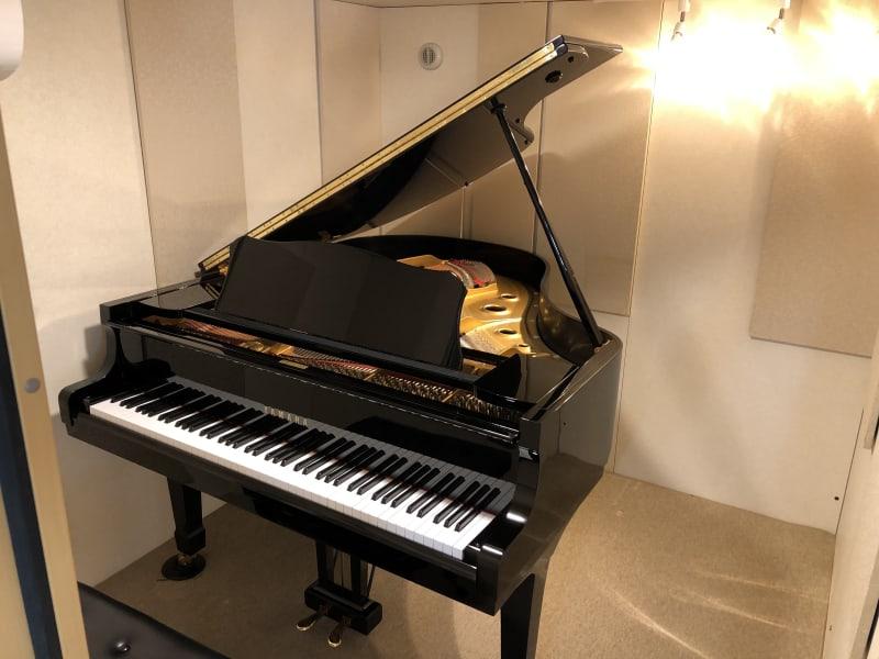 ヴァーヴピアノスタジオ Fスタジオの室内の写真