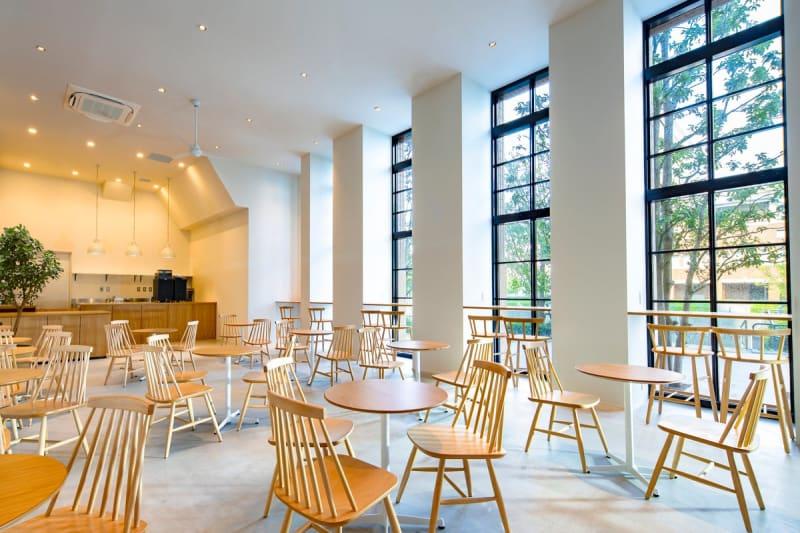 haishopcafe カフェ カフェスペースの室内の写真