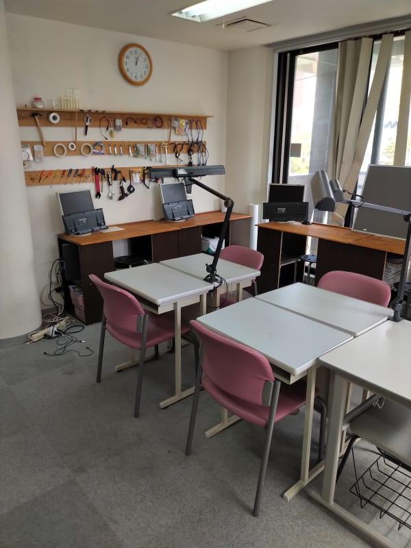 トリニティアカデミー 学習ルームの室内の写真